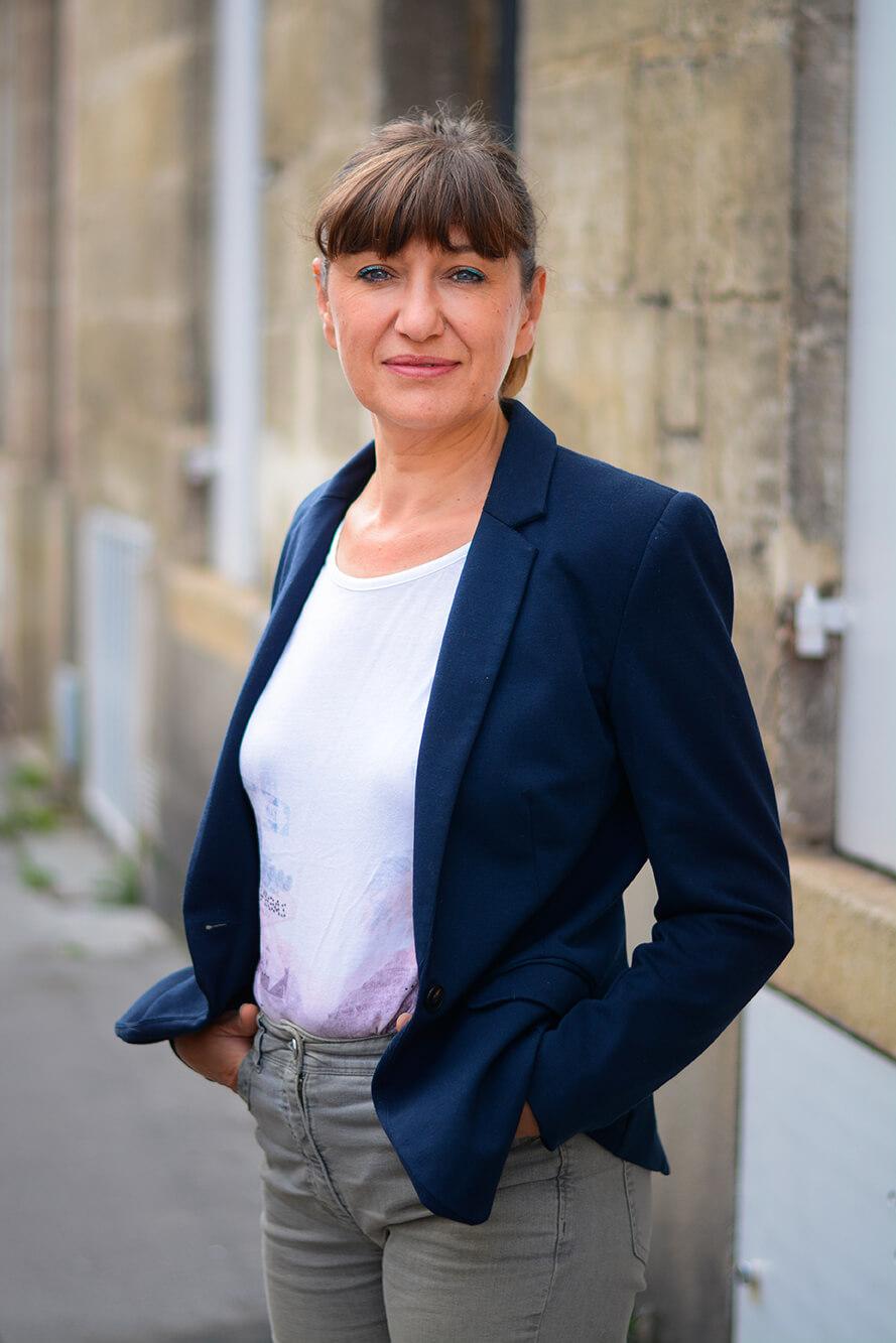 Photographie de portrait de Nelly Cahuzac par Laura Van Puymbroeck
