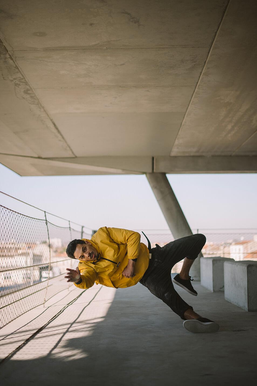 Photographie de danse d'Hamza Biyaye par Laura Van Puymbroeck