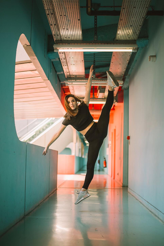 Photographie de danse d'Amélie Laporte par Laura Van Puymbroeck