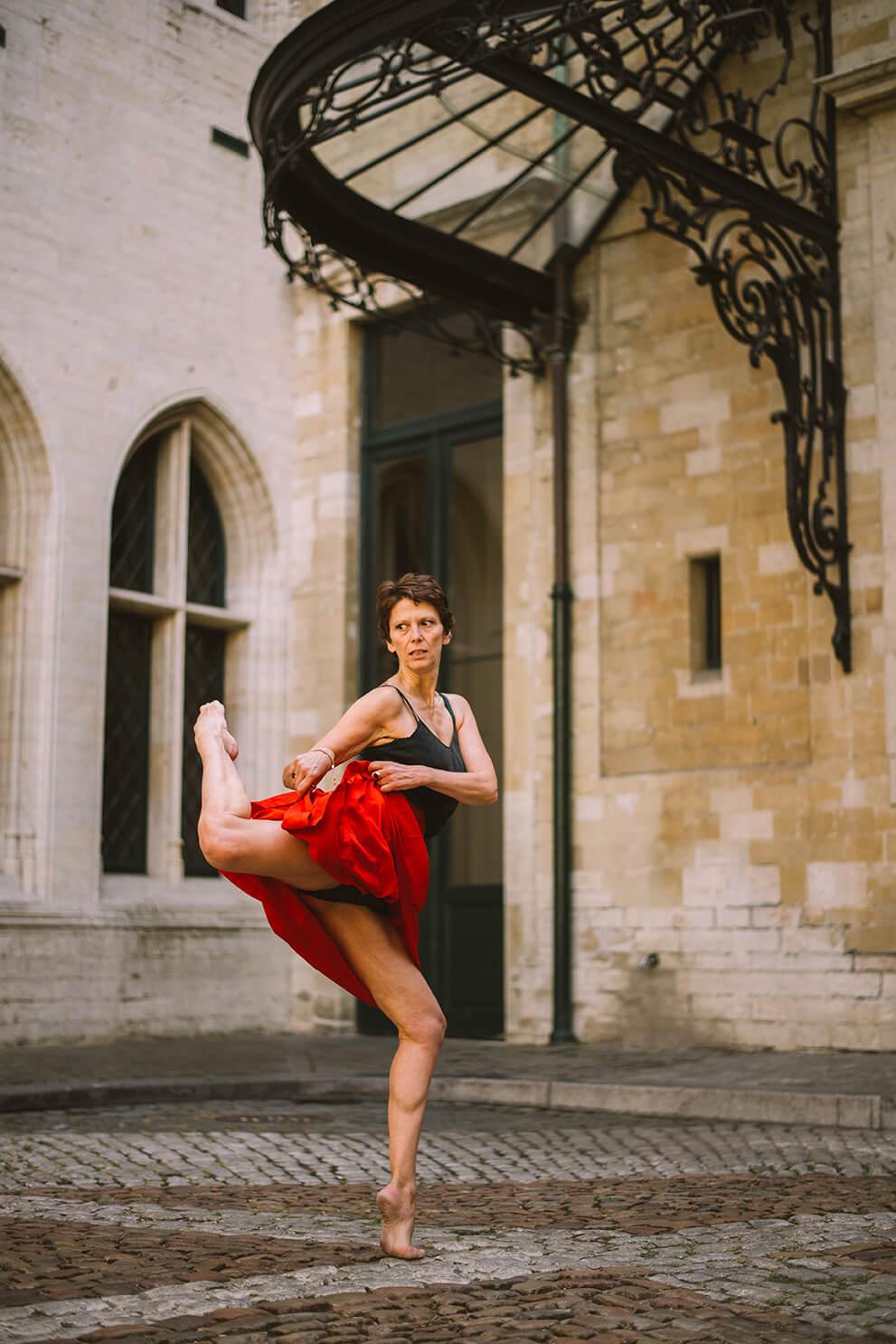 Photographie de danse de Tina Riccardi par Laura Van Puymbroeck